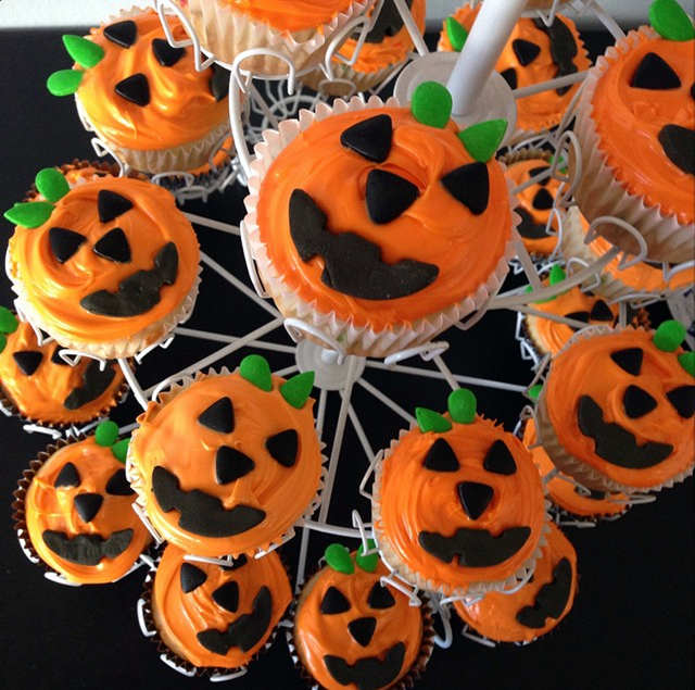 pumpkin_cupcakes
